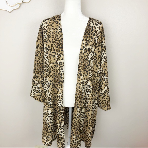 paisley grace Tops - Leopard animal print kimono bell sleeve top